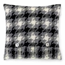 Bronte Cushions T0429-X13-Lambswool-Houndstooth-Charcoal-Cushion-250x240